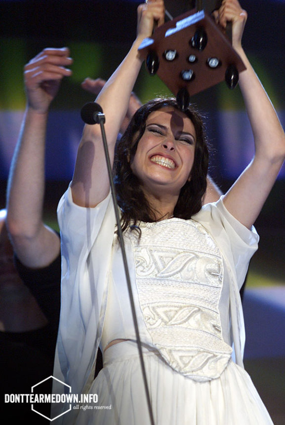 Sharon Den Adel Within Temptation TMF Awards 2002