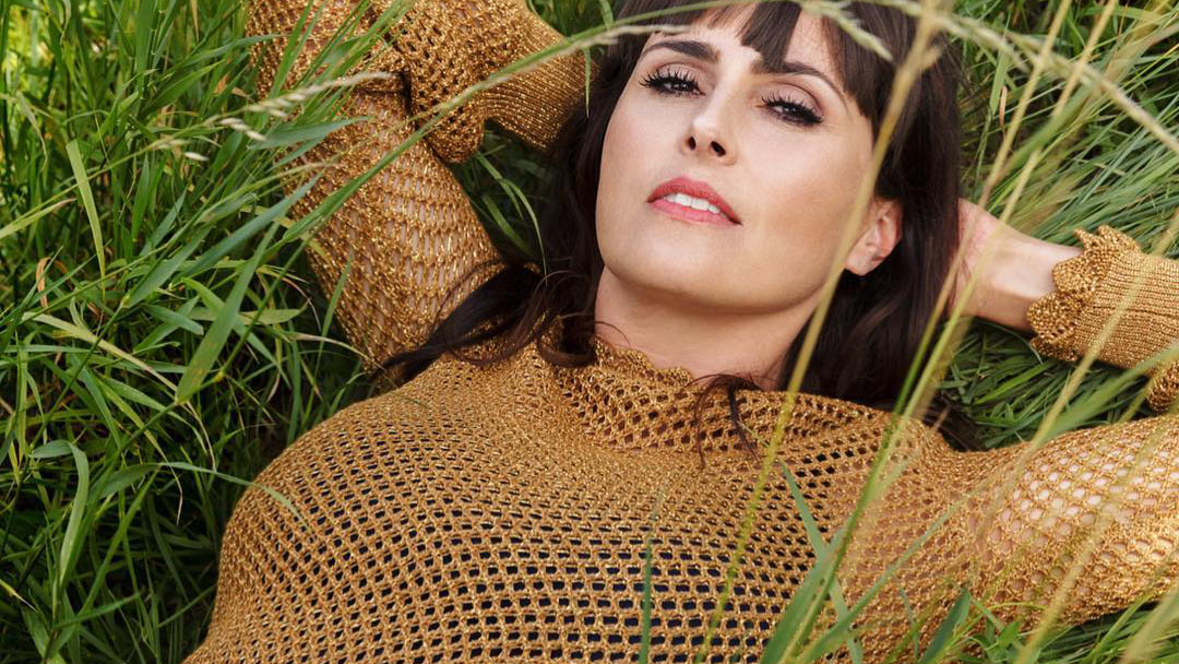 Sharon den Adel Within Temptation VROUW Glossy interview 2018 My Indigo