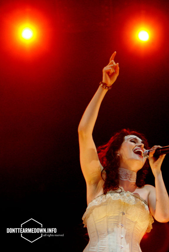 Sharon den Adel Pinkpop Live Within Temptation